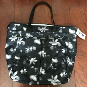 NWT LeSportsac EveryGirl floral tote